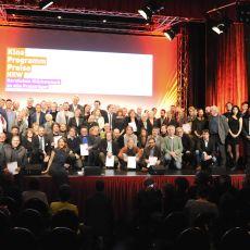 Gruppenbild zum Finale: alle Preisträger und alle Paten: 430.000 € gingen an 69 Kinos aus 43 Städten © Foto: Anna Kaduk, Film- und Medienstiftung NRW