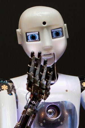 """Exponat """"robothespain"""" aus der Ausstellungseinheit """"Neue Arbeitswelten"""" (AE 5a)"""